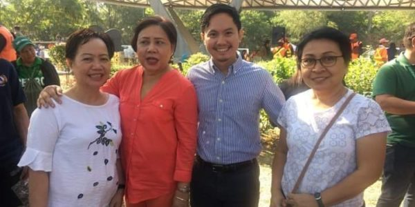 Executive Director Amy Lecciones, Arch Aaron Lecciones, and Ms Zeni Ugat of the SCPW is with the Hon. Senator Villar who lead the groundbreaking for the Wetland Center Wave.